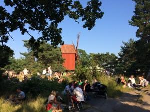Publik på Allsång på Skansen
