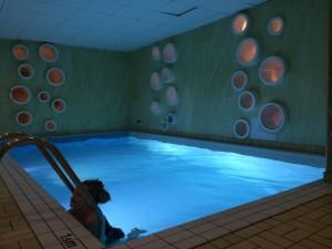 barnvänligt hotell med pool